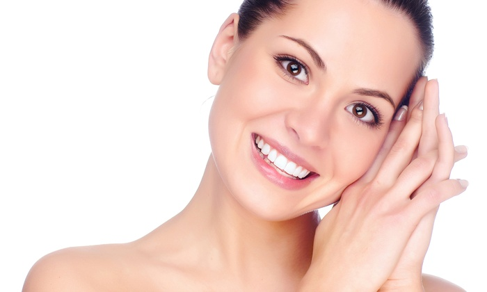 Glo My Teeth - Cherry Creek: $104 for a Zoom! Whitening Treatment at Glo My Teeth ($695 Value)