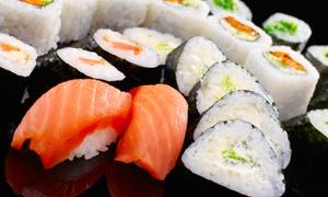 Sushi Lounge: Große Sushi-Platte mit Sashimi nach Art des Sushi-Chefs für Zwei oder Vier in der Sushi Lounge ab 26 €