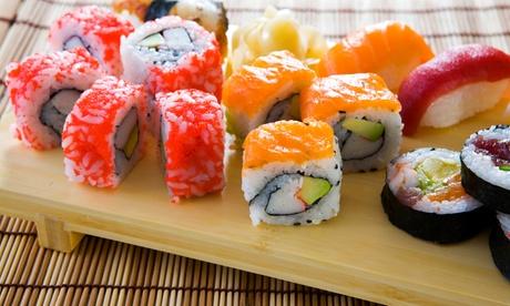 Menú japonés take away para dos o cuatro personas con bandeja de sushi y botella de vino desde 19,95 €