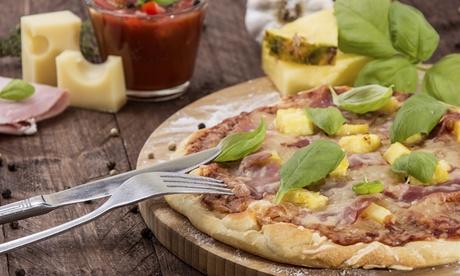 Menú italiano para dos con entrante, pizza, postre y bebida y opción a botella de vino desde 16 € en Pizzería Mia Mamma