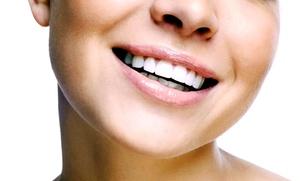 Studio Dentistico Dr.ssa Anna Lamonica: Visita odontoiatrica con pulizia denti e sbiancamento Led allo Studio Dentistico (sconto fino a 89%)