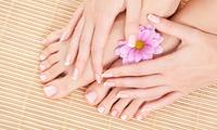 Klassische Pediküre mit Fußmassage, opt. mit Maniküre bei Kosmetikbehandlungen, Pediküre und Waxing (bis zu 50% sparen*)