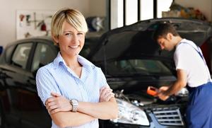 Lavado de coche a mano con revisión por 12,95 €, con pulido de faros por 24,95 € o limpieza de tapicería por 44,95 €