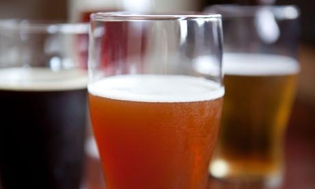 Cata de 3 cervezas artesanales con picoteo para hasta 6 personas desde 14,95 € en Oasis Beer