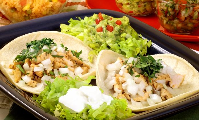 Desde $339 por almuerzo o Cena Mexicana para 2 o 4 Personas: Bebida+ Entrada + Plato Principal