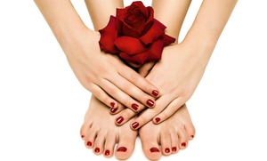 Nikkal Center: 3 o 5 manicure e pedicure con applicazione di smalto semplice o semipermanente da Nikkal Center (sconto fino a 84%)