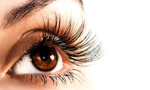 Quattro Lounge: Full Set of Eyelash Extensions with an Optional Eyebrow Wax and Tint at Quattro Lounge (Up to 64% Off)