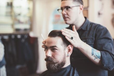 4 sesiones de peluquería para hombre con corte y opción a arreglo de barba desde 12,90 € en Peluquería Barbería Agustina