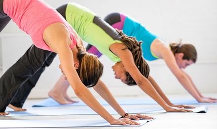 1 o 3 meses de clases de yoga para 1 o 2 personas desde 19,95 € en CDA Quiromasaje