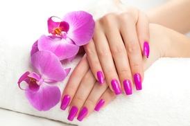 Beauté des mains option beauté des pieds avec une pose de vernis  Gardanne