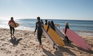 La Wave Surf Co: 3 horas de clases de surf o bodyboard para 1, 2 o 4 desde 19,90 € en La Wave Surf School