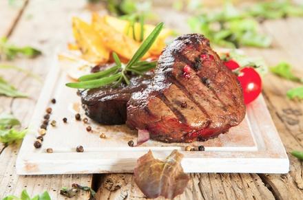3-Gänge-Balkan-Menü mit reichhaltiger Fleischplatte für 2 oder 4 Personen im Steak House Alte Post (bis zu 51% sparen*)