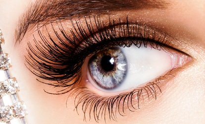 image for Full Set of Eyelash Extensions with an Optional Eyebrow Wax and Tint at Quattro Lounge (Up to 64% Off)