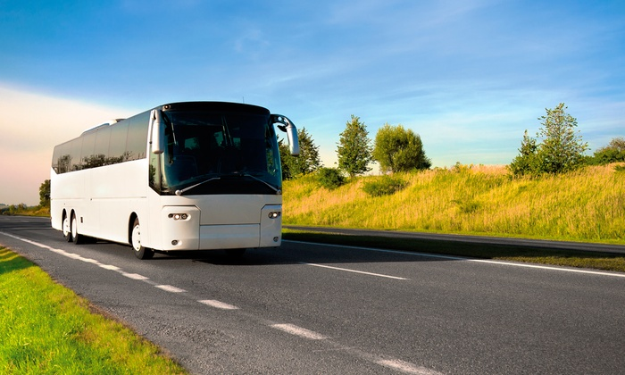 Hampton Luxury Liner - Multiple Locations: $165 for a Valentine's Day Luxe Hamptons Wine Country Tour for Two from Hampton Luxury Liner ($370 Value)