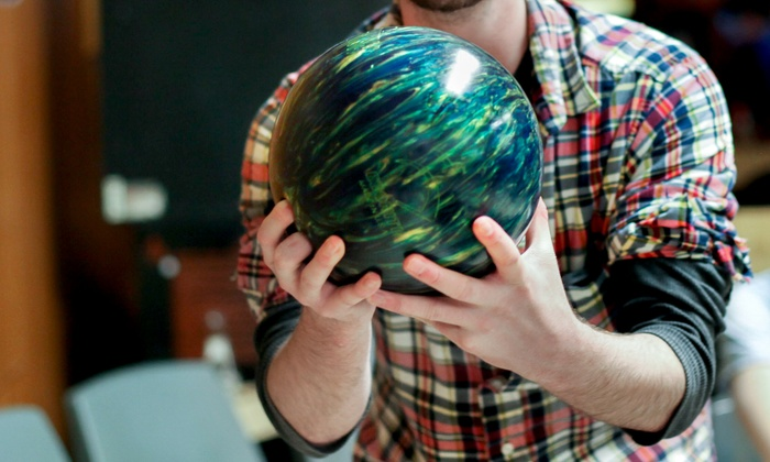 Stars Recreation Center - Vacaville: Two-Hours of Bowling with Shoe Rental for Two, Four, or Six at Stars Recreation Center (47% Off)