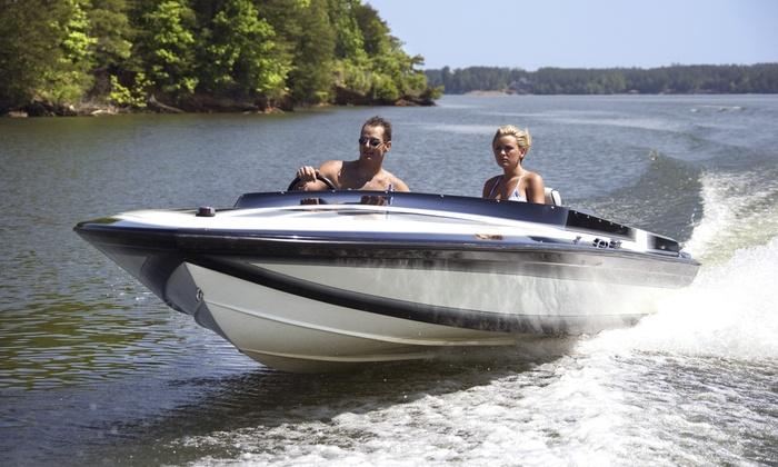Lynncreek Marina - Grand Prairie: 19', 21', or 24' Boat Rental from Lynncreek Marina (Up to 43% Off)