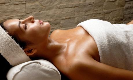 Masaje a cuatro manos con peeling y envoltura por 29,95 €, o 3 o 5 sesiones de masaje relajante o drenante desde 24,95 €