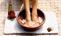 Bain de pieds avec massage assis et pédicure dans linstitut de beauté Ysa-Bel
