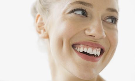 Sesión de limpieza bucal con pulido dental, revisión, radiografía y hasta 4 empastes desde 12,95 € en Dentia Bucodental