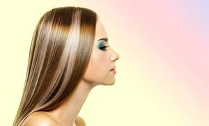 Karma Estilistas Salon de Peluqueria y Belleza: Alisado fotónico de queratina o japonés con lavado, masaje craneal, peinado y corte desde 49,90 € en Karma Estilistas