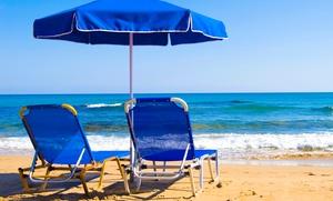 Peppino A Mare Beach: Ingresso al lido Peppino a Mare Beach con lettini e ombrellone