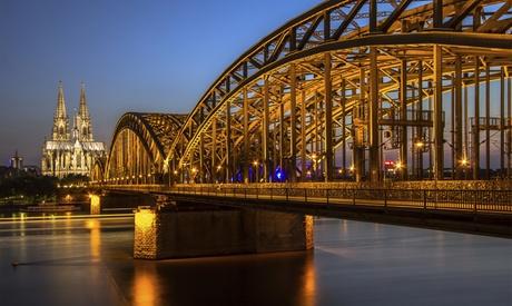 2 Std. Nachtwächter-Tour mit Fackel durch Köln für 1 bis 4 Personen mit Mk Erlebnistouren
