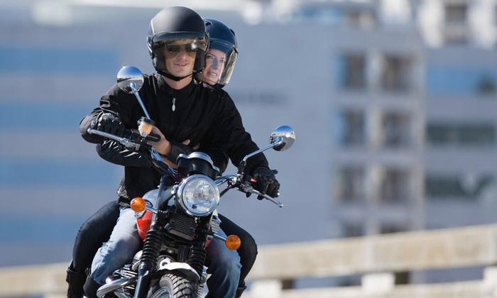 Autoescuela Virgen del Castillo - Varias localizaciones: Curso para obtener el carné de moto A1 o A2 con 6 u 8 clases prácticas desde 49 €. Tienes 4 centros para elegir