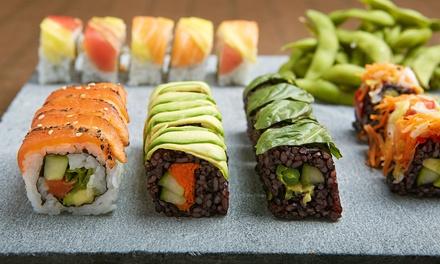 Bandeja de sushi con 40 u 80 piezas y bebida para 2 o 4 personas para llevar desde 19,95€ en Ninote Sushi