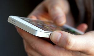 Cell Phone Guy Athens: $79 for Screen Repair for iPhone 5 or 5S at Cell Phone Guy Athens ($129 Value)