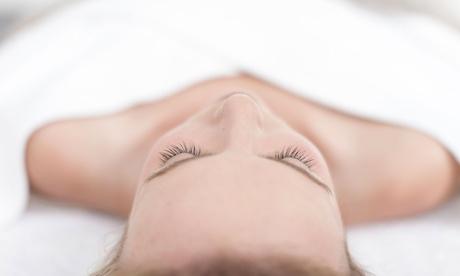 1 o 3 sesiones de higiene facial con tratamiento de colágeno desde 12,95 € en Genoveva Chicano Estética Integral