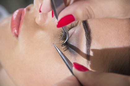 Up to 56% Off on Eyelash Extensions at allikmua