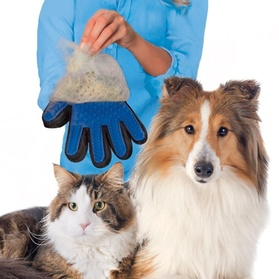 Pet Grooming and De-Shedding Brush Glove 852eeff0-d8f5-11e6-9cbd-00259069d868