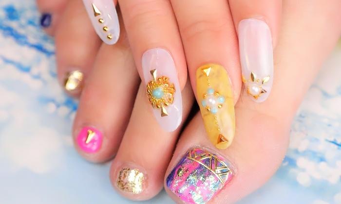 nail salon W by CaraCore - 大阪市中央区: 可愛い系から大人系まで。50種以上のデザインからセレクト≪ハンドorフット/選べるネイル+アート2本+オフ≫ @ nail salon W by CaraCore