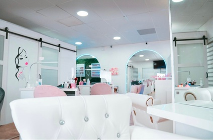 Up to 35% Off on Nail Spa/Salon - Pedicure at D' Luxury Beauty Salon & Spa