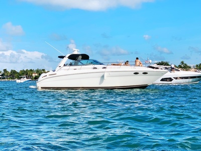 Up to 38% Off on Powerboat Rental at Brickell Boats