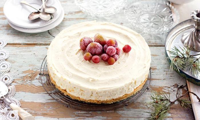 CON AMORE: Desde $20.000 por torta navideña para 15 o 30 personas con sabores y toppings a elección en Con Amore