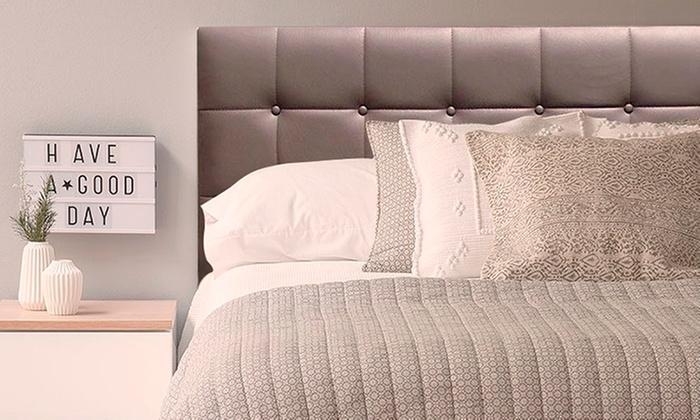 Muebles Luviana: Cabecera de cama en modelo a elección con Muebles Luviana. Incluye delivery
