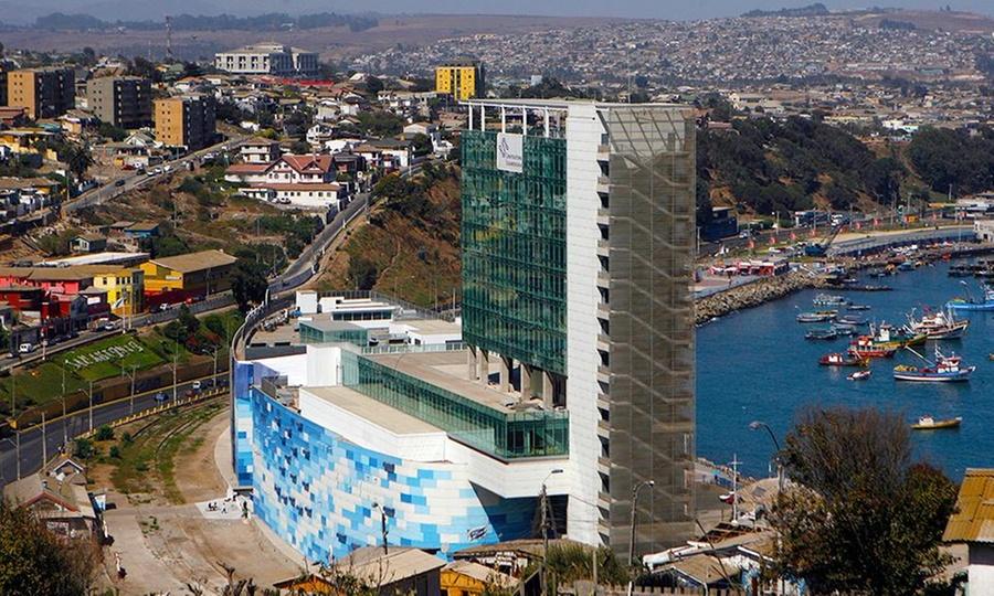 Hotel Casino del Pacífico: San Antonio: 1 o 2 noches para dos+ desayuno + cena de bienvenida + welcome drink + acceso al casino en Hotel Casino del Pacífico