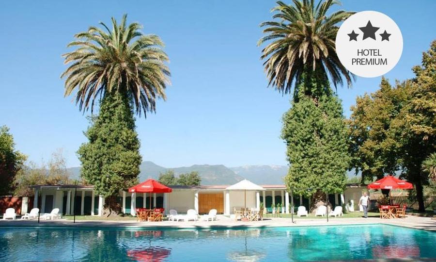 Termas de Panimavida: Desde $199.000 por 2, 3 o 4 noches para dos + pensión completa + piscinas termales en Termas de Panimávida. Elige habitación