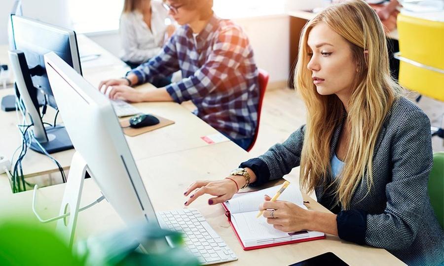 Avelt Programs: 3, 6 o 12 meses de curso de inglés onlineen Avelt Programs
