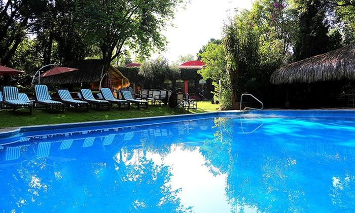 Spaciel hotel racquet cuernavaca groupon del d a groupon for 33 fingers salon groupon