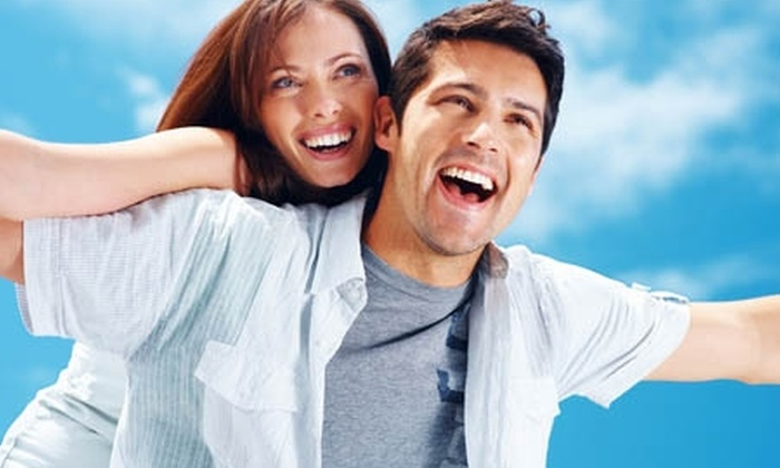 Dental Clinic - Dental Clinic: $280.000 en vez de $1.150.000 por brackets estéticos invisibles en Dental Clinic (76% off)