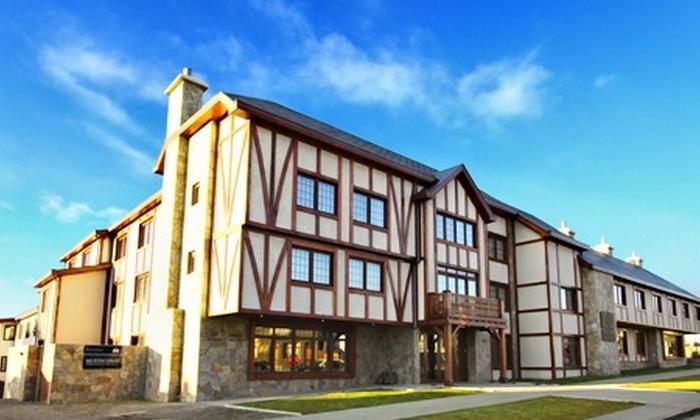 Hotel Rey Don Felipe - Hotel Rey Don Felipe: Paga desde $79.000 por 2, 3 o 5 noches para dos en Punta Arenas + botella de vino + $10.000 en crédito para restaurant con Hotel Rey Don Felipe