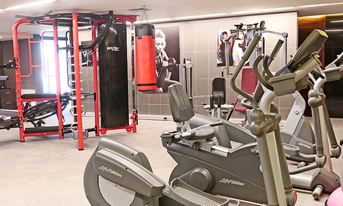 Gimnasio fitness center hotel cumbres groupon del d a for Gimnasio 6 meses