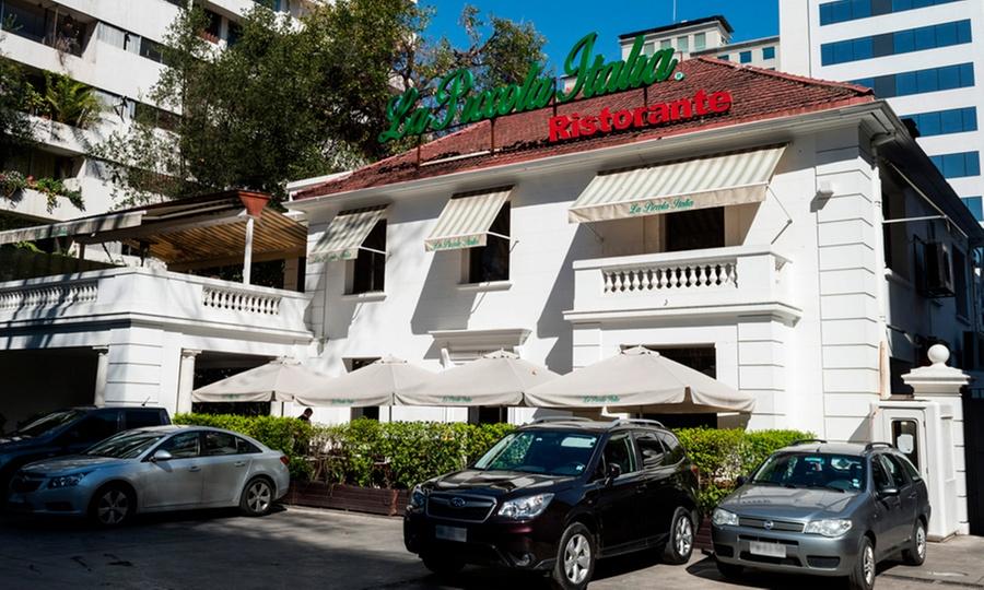 La Piccola Italia: 2 aperitivos + tabla appetizer + fontana para compartir + 2 postres