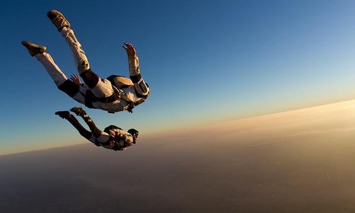Sky Dive Colombia - Sky Dive Colombia: $540.000 en vez de $650.000 por salto en paracaídas + fotos + video en La Playa con Sky Dive Colombia