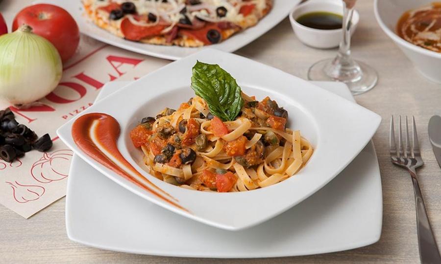Nola Pizza y Pasta: Plato fuerte + postre + bebida para 2 o 4 personas en Nola Pizza y Pasta