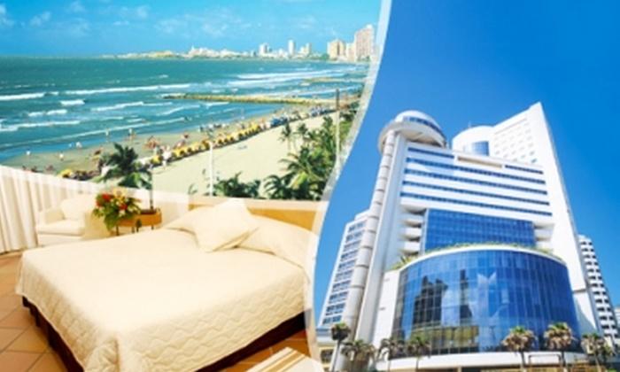 Los Corales del Hotel Almirante: $236.500 en vez de $473.000 por 4 días y 3 noches para dos en Cartagena de Indias, Colombia + desayuno + comida con Hotel Almirante