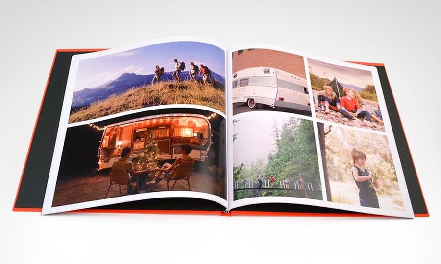 Emotions: Desde $24.990 por Photobook cuadrado 30 x 30 cm de 60 o 100 páginas páginas con Emotions. Incluye despacho