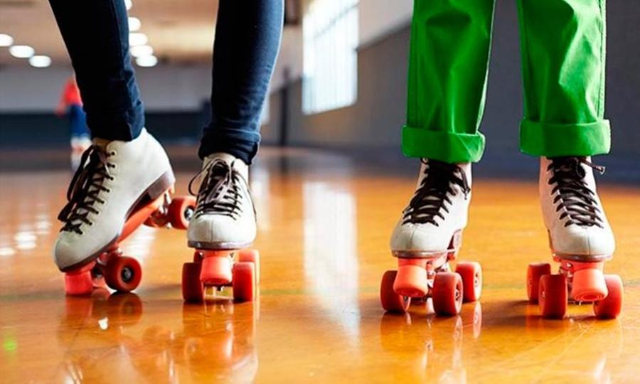 Disco Roller: Desde $169 por entrada a patinar + papas o nachos + refrescos o aguas de sabor medianas para 2 o 4 personas en Disco Roller Tonala